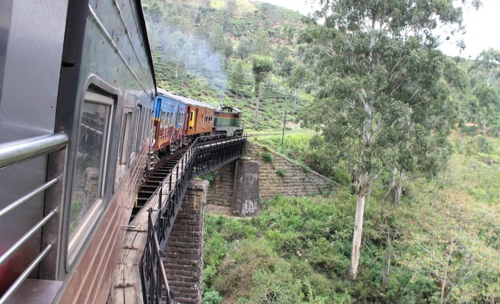 Zug Sri Lanka_Brücke