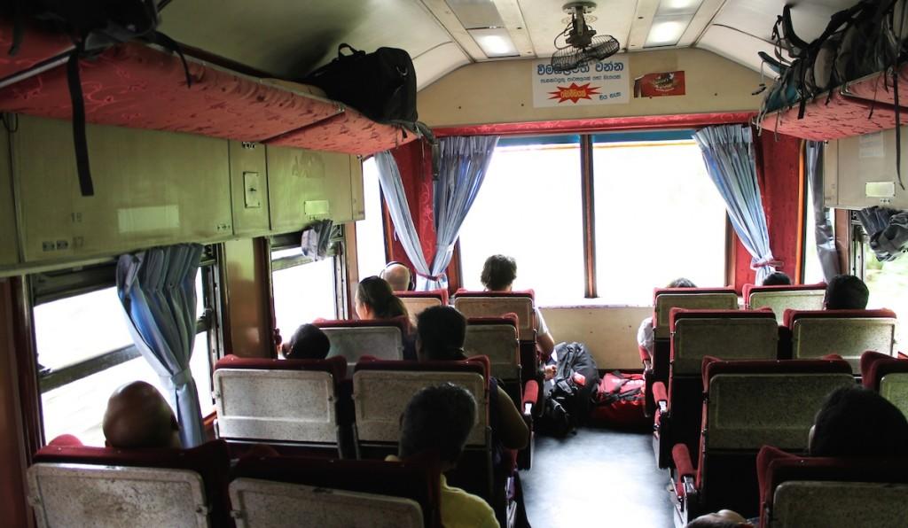 Zug Abteil in Sri Lanka