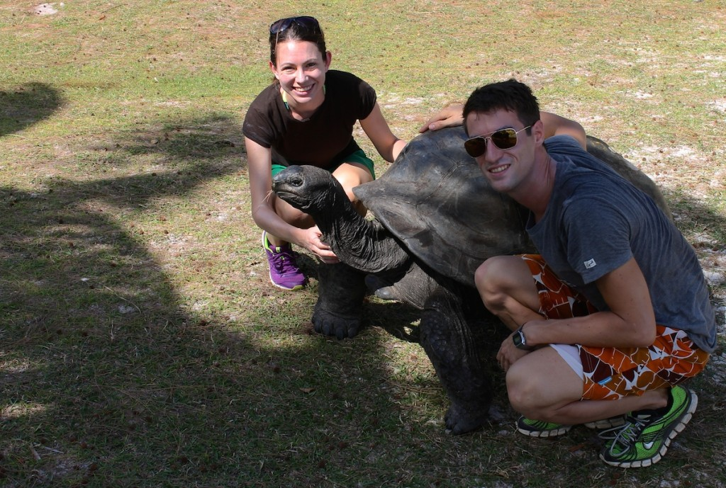 Wir mit Riesenschildkröte