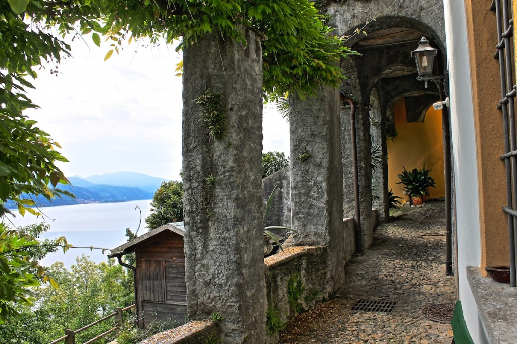 Ausblick beim Wandern am Lago Maggiore