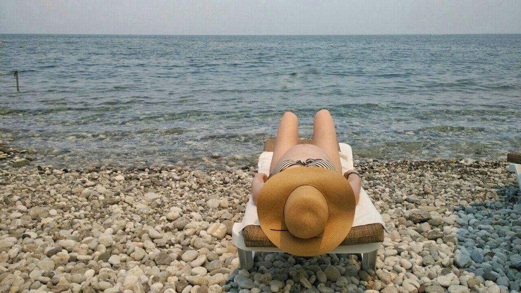 Schwanger am Meer