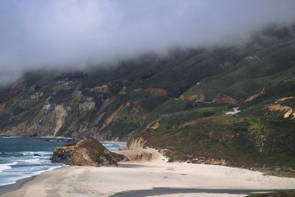 Highway 1 im Nebel