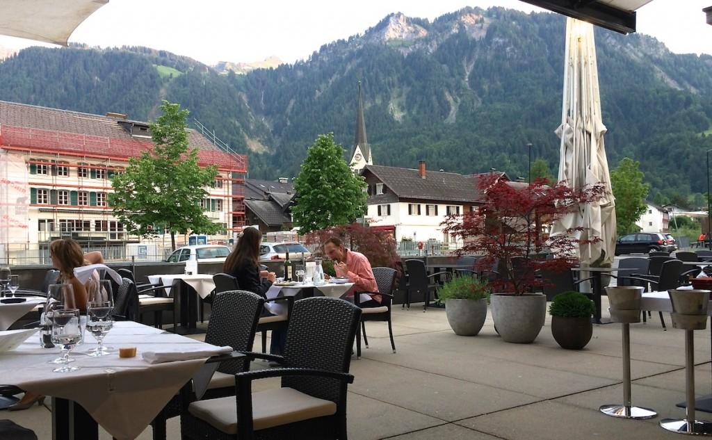 Terrasse mit Blick auf die Berge