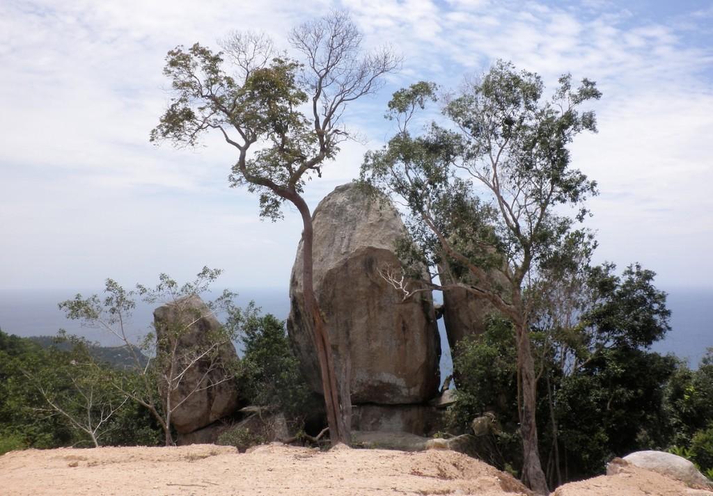 Felsen auf dem Aussichtspunkt auf Loh Tao