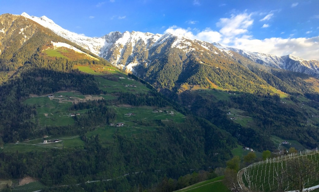 Ein Tag in Südtirol. Die Berge am Morgen