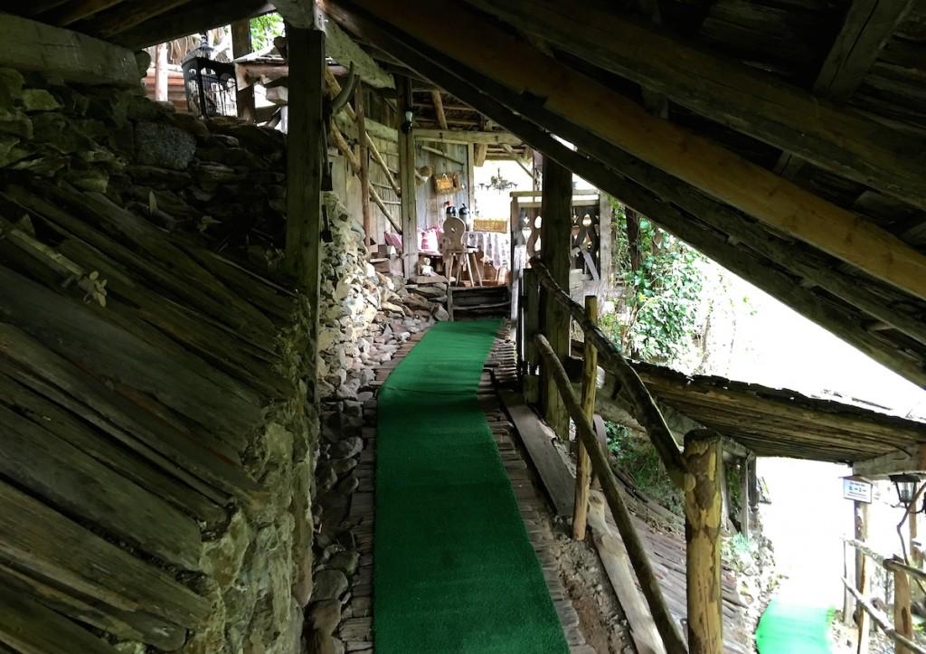 Wege im Saunadorf
