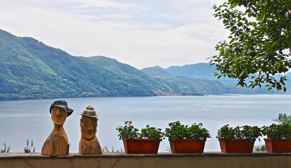 Ausblick von Ronco über den Lago Maggiore