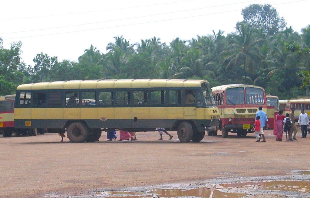 Bustour durch Indien