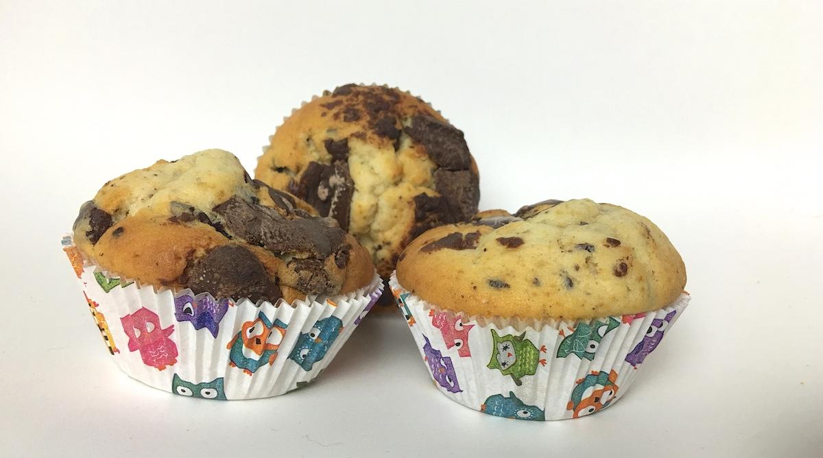 schnelle muffins mit schokoladen st ckchen rezept. Black Bedroom Furniture Sets. Home Design Ideas