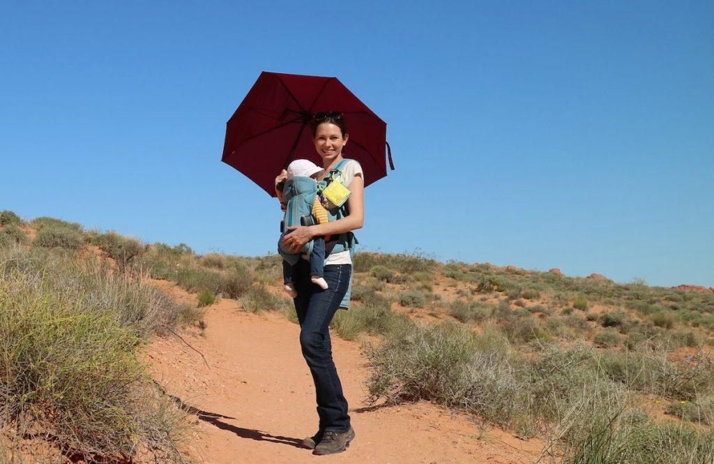 Der Schirm ist ein Reise Must-have fürs Baby