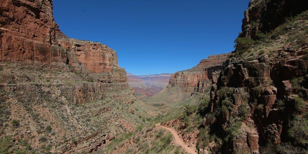 Wanderung in den Grand Canyon – Tagestour auf dem Bright Angel Trail