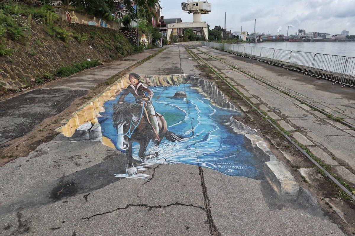 Street Art In Krefeld Uerdingen Rhine Side Gallery Rhein