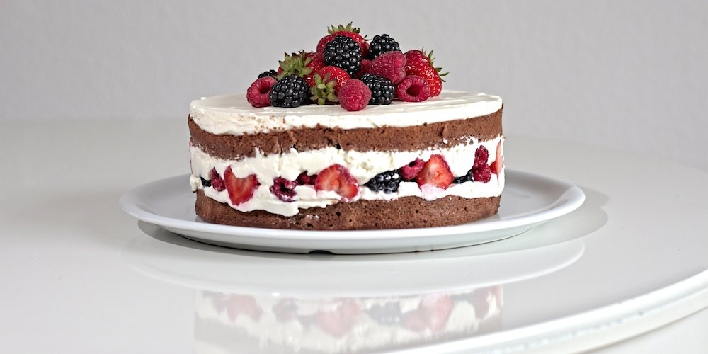 schoko beeren torte rezept f r einen naked cake webundwelt. Black Bedroom Furniture Sets. Home Design Ideas