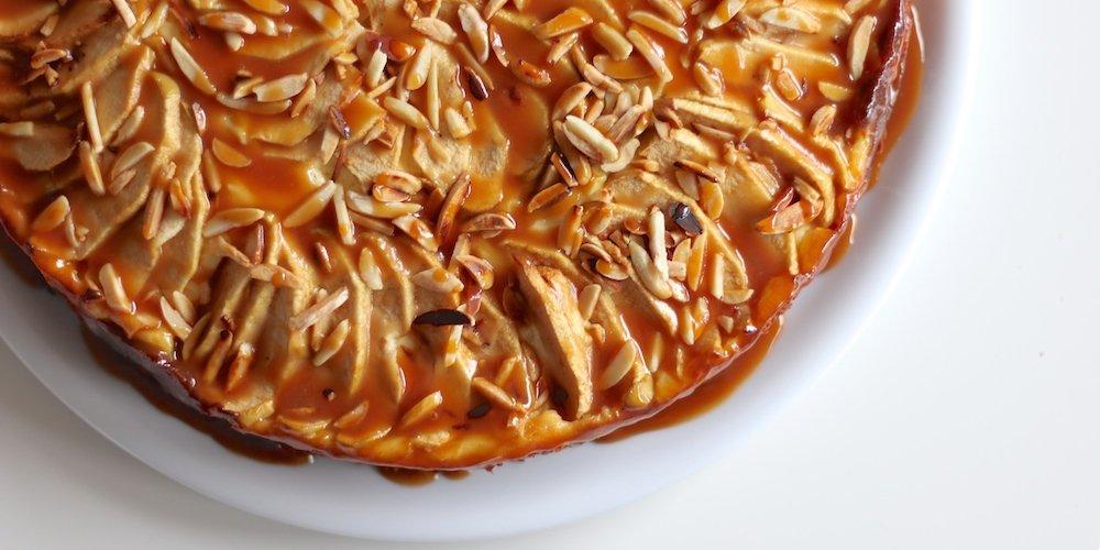 Apfel-Torte | Rezept mit Äpfeln, Pudding, Schoko & Karamell