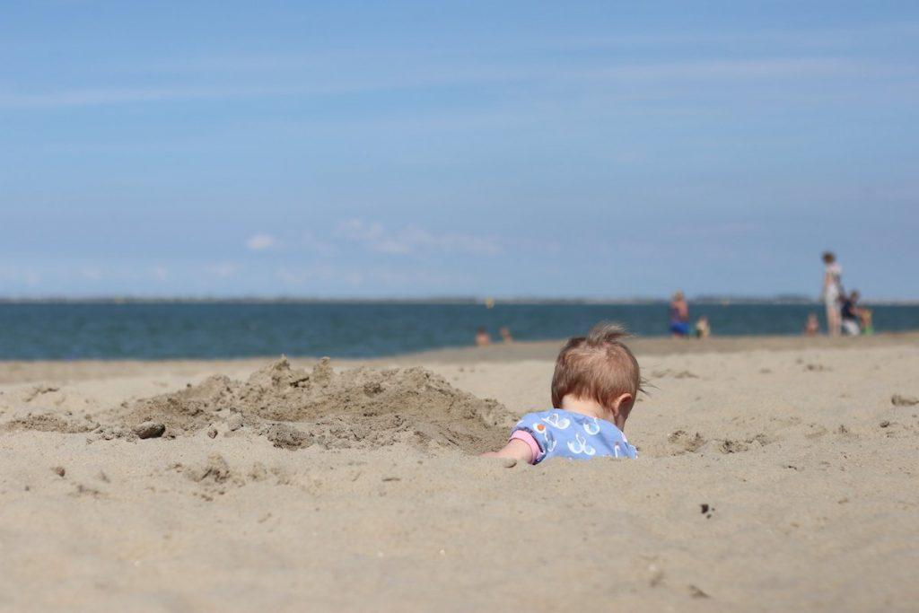 Strandurlaub Niederlande mit Kleinkind
