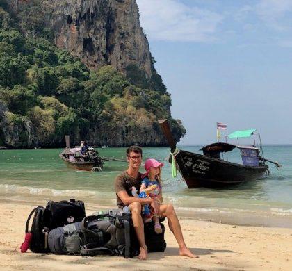 Männer Kulturbeutel: Von Zahnbürste bis Kameraausrüstung – was auf Reisen unbedingt mit muss | Werbung