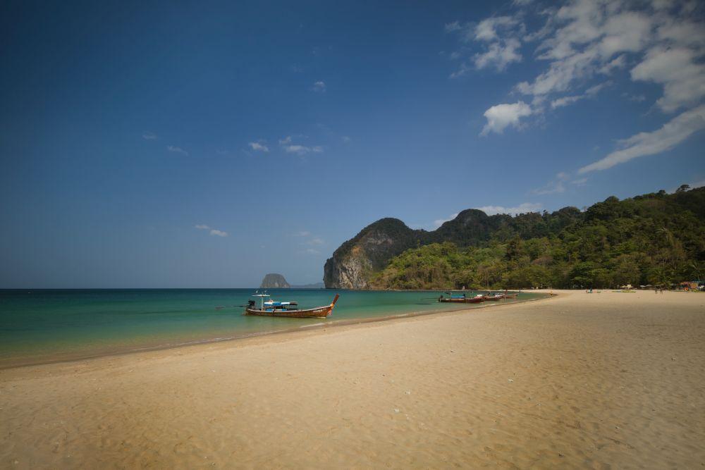 Fotospots in Thailand Koh Mook Garnet Beach