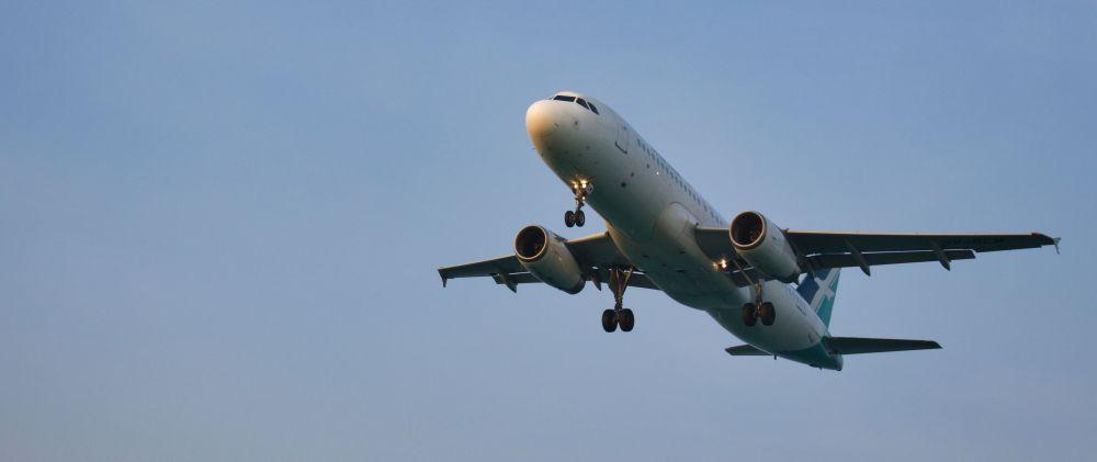 Plane Spotting in Phuket Thailand Flugzeug ganz nah