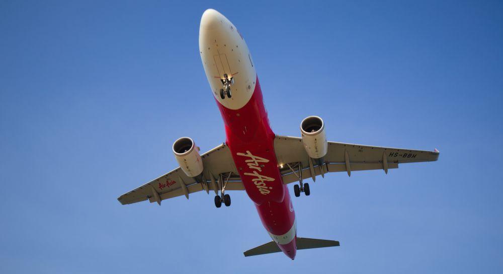 Plane Spotting in Phuket Thailand Flugzeug nah